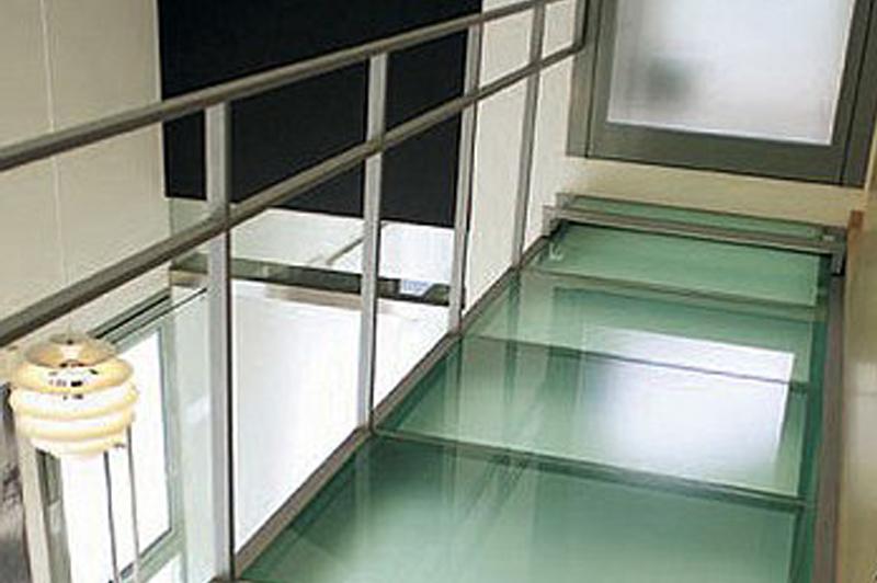 Suelo de cristal transitable precio beautiful great - Suelos de vidrio ...
