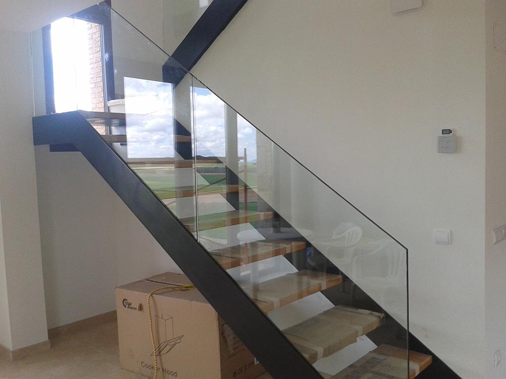 Barandillas de cristal - Precio escaleras interiores ...