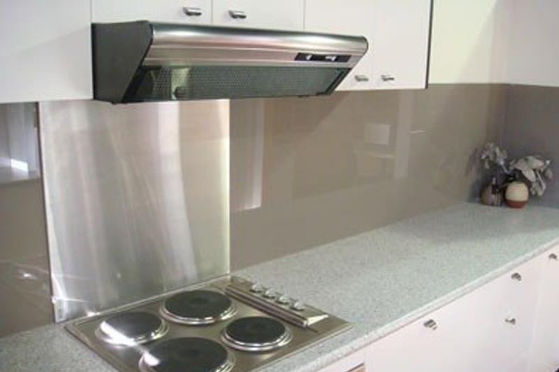 Frentes y encimeras de cristal for Frentes de armarios de cocina