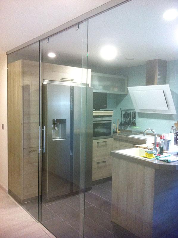 Puertas correderas de cristal para cocinas puertas - Precio puertas de cocina ...